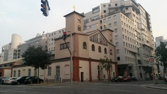 Serbisch-Orthodoxe Kirche Christi Auferstehung