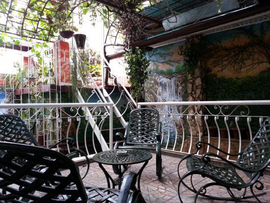 Roy's Terrace Inn
