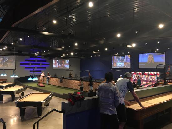 710 Bowling Photo0 Jpg
