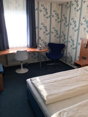 Bonjour Tagungshotel Stuttgart: photo0.jpg