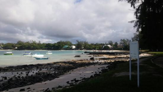 Le Peninsula Bay Beach Resort: Worst hotel on mauritius - review after visitting more than 20 hotels on mauritius