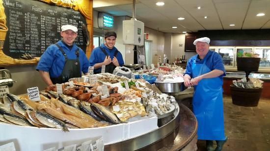 Westbury on Severn, UK: Good Friday at Severn & Wye Smokery