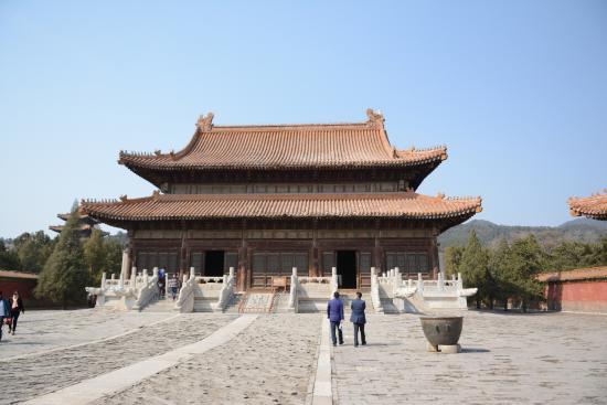 Zunhua, China: 慈禧地宮前的宮殿建築
