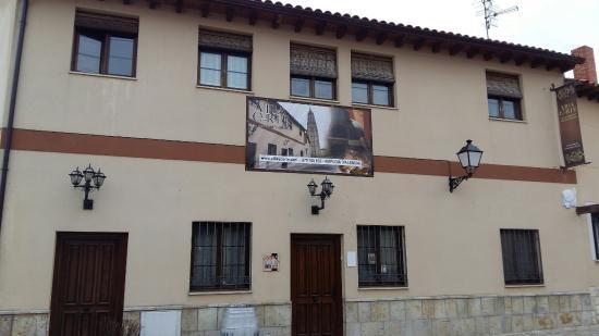 Villa Y Corte