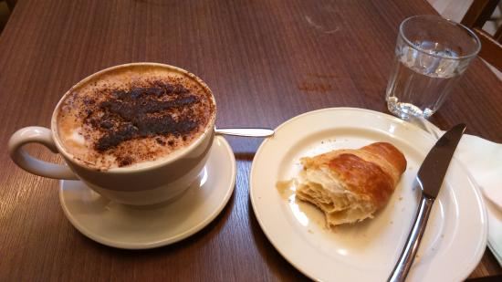 Books and Beans: Cappuccino and croissant...