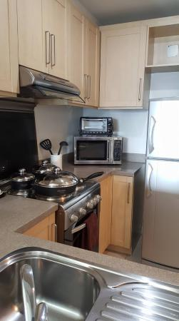 Joya Lofts & Towers: Kitchen