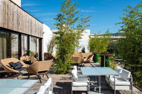 h tel c suites n mes frankrijk foto 39 s reviews en prijsvergelijking tripadvisor. Black Bedroom Furniture Sets. Home Design Ideas
