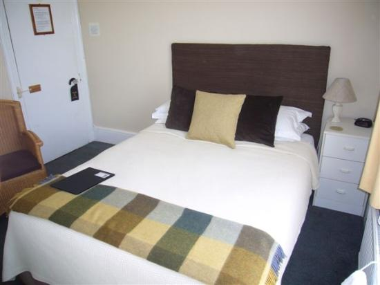 Bexhill-on-Sea, UK: Room Three - Our small double room with shared bathroom and toilet