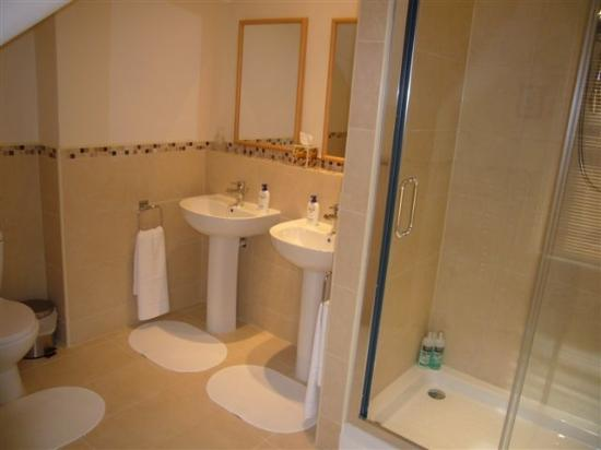 Bexhill-on-Sea, UK: Room Five's bathroom