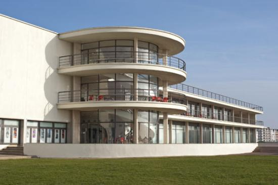 Buenos Aires Guest House: The De La Warr Pavilion just one minutes walk away