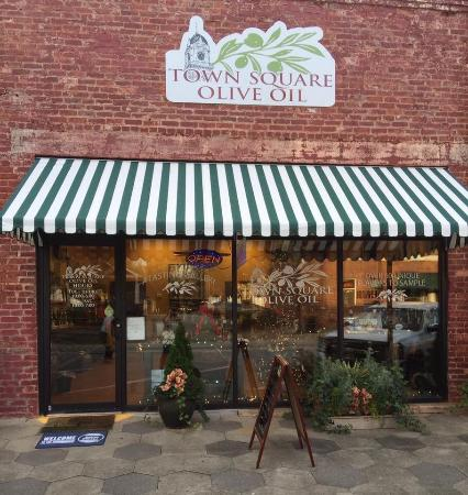 Town Square Olive Oil & Balsamic Vinegar: In Beautiful Downtown Covington