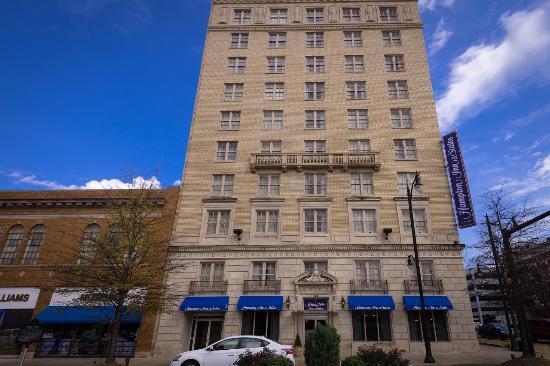 hampton inn suites montgomery downtown 111 1 3 5. Black Bedroom Furniture Sets. Home Design Ideas