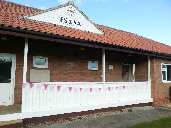 Flintham, UK: Ella's Buttons