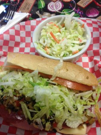 Flavors of Louisiana : Muffaletta and coleslaw