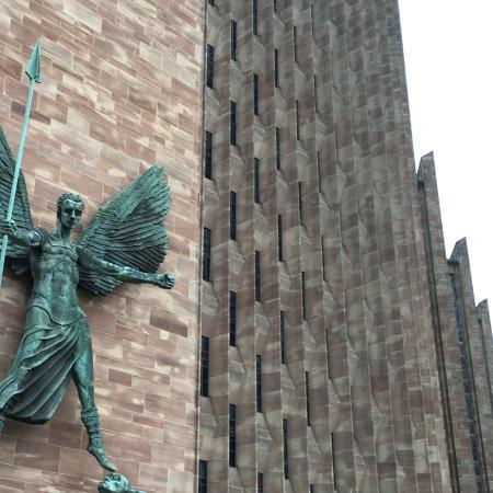 Κόβεντρυ, UK: The dramatic new cathedral