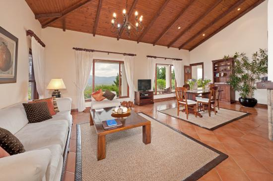 Bellavista Country Place : Sea View Suite No. 1 / lounge with view