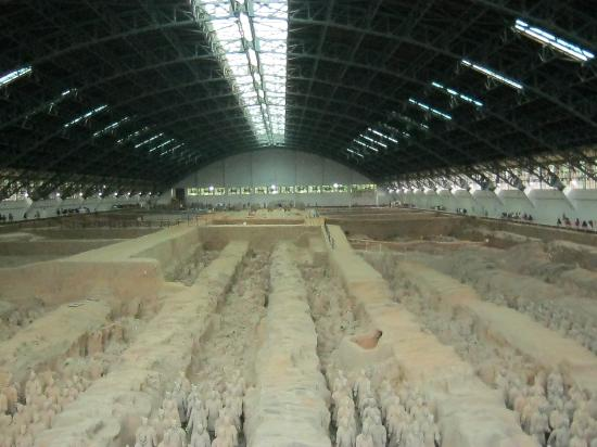 The Museum of Qin Terra-cotta Warriors and Horses: Pavilhão principal onde se encontra