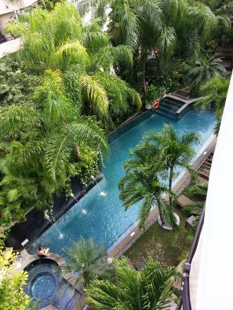 إلتاج أوشن فرونت آند بيتش سايد كوندو: View of the second pool from our room