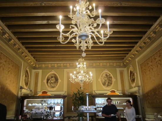 Palazzo Paruta: Salle du petit déjeuner. Très agréable !