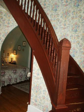 The Mansion at Elfindale Bed & Breakfast: Tower Suite