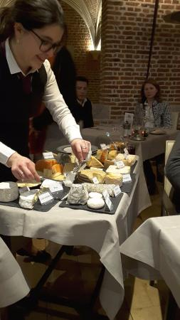 un plateau de fromages impressionant photo de couvent des minimes restaurant lille tripadvisor. Black Bedroom Furniture Sets. Home Design Ideas
