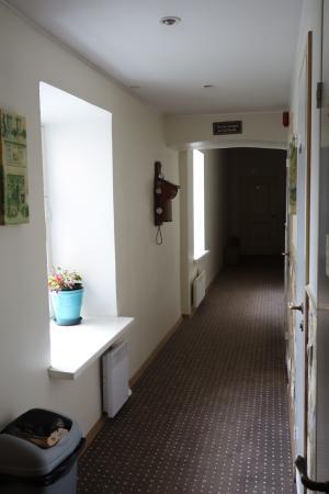 OldHouse Hostel : Korridor på OldHouse.