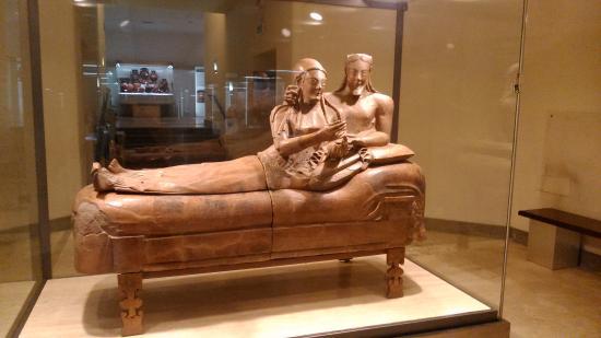 Sarcofago degli sposi foto di museo nazionale etrusco di for Degli sposi
