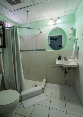 The Inn at 87: Bathroom