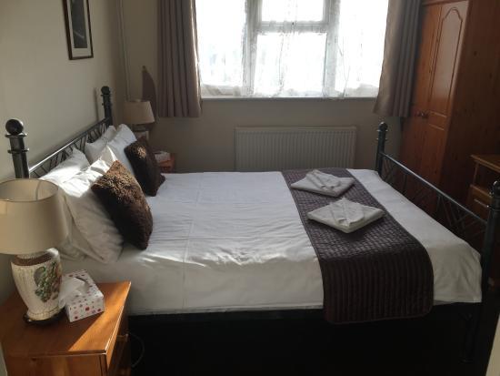 Ayah Villa: guest room