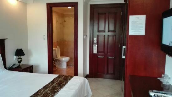 Valentino's Hotel: IMG_20160320_151211_large.jpg