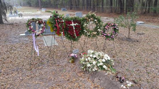 Beaufort, SC: Author Pat Conroy's gravesite on St. Helena island