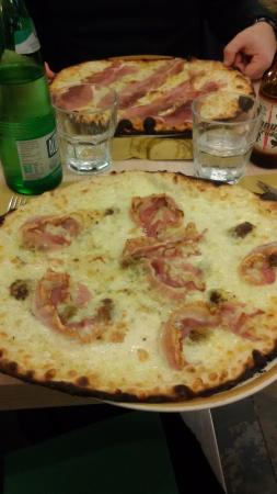 Il Punto D'Incontro: Pizza Pancetta e Crema di Pistacchio! SUBLIME!