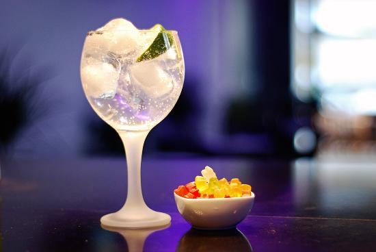 Elite Cocktail Bar