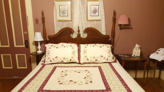 Bethel, ME: The Rose-Room 4