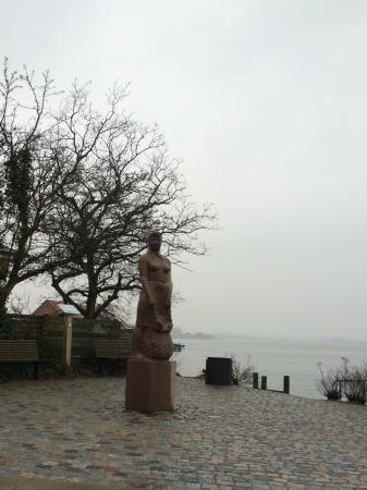 Statuen Amanda fra Kerteminde