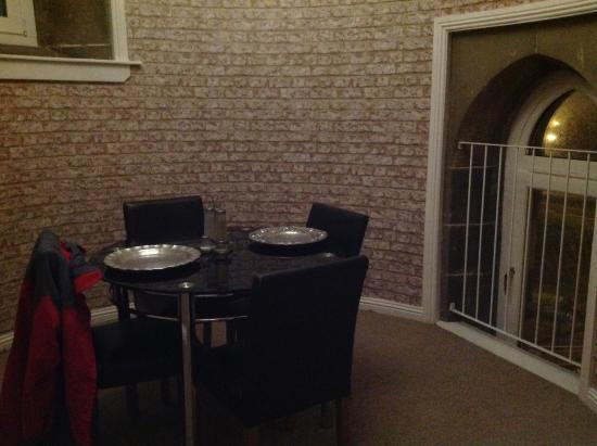 The City Suites : Lovely separate dining area