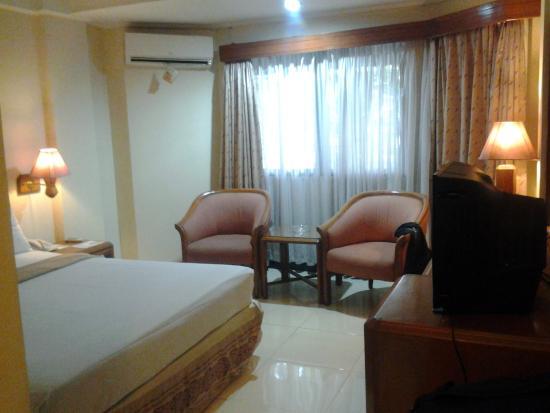 kamar tidur picture of the imperium international hotel bandung rh tripadvisor com