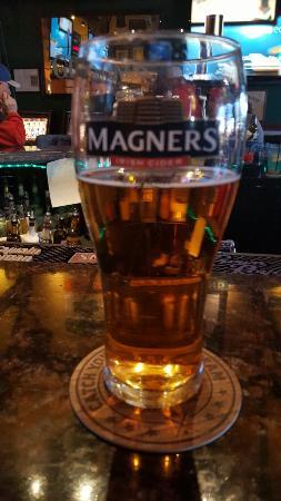 Mulligan's Irish Pub: 20160325_184254_large.jpg