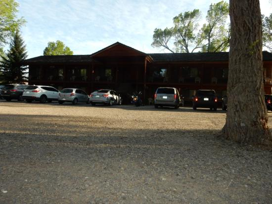 Deli picture of austin 39 s chuckwagon lodge and general for Torrey utah lodging cabins