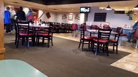 Mendota, IL: Dining Room