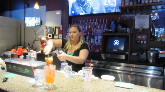 La Mesa, CA: Our friendly bartender