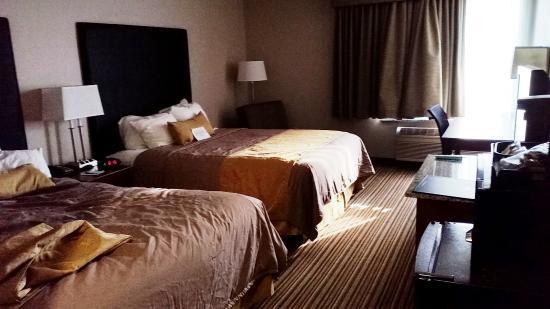 BEST WESTERN Park Oasis Inn: Bedroom.. Two queens.