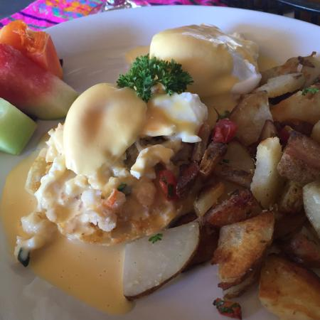 The best Benedict's eggs in Los Cabos