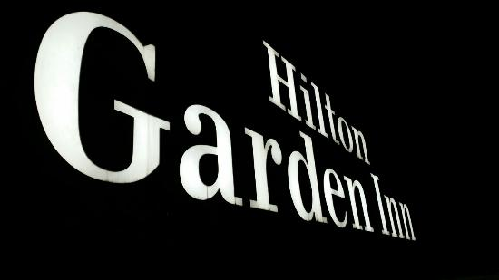Hilton Garden Inn New Delhi / Saket: 20160325_210859_large.jpg