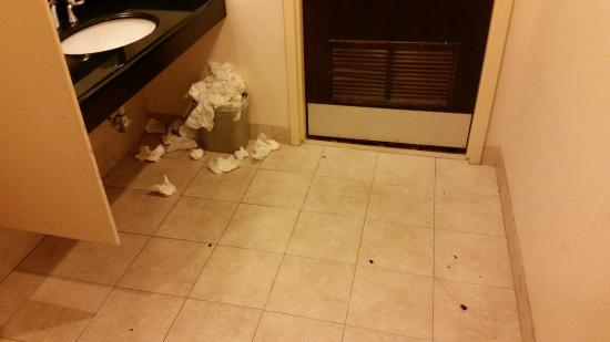Uncleaned Men S Room On 2nd Floor Near Meeting Rooms Picture Of Quality Suites Tinton Falls Tripadvisor