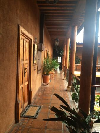 El Hotel Casa del Refugio: Habitaciones amplias, pintorescas y cómodas ! Para relajarse