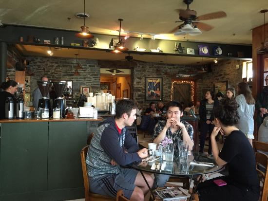 Carriage House Cafe : Friendly afternoon