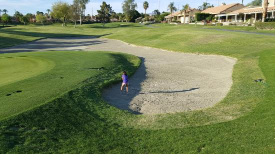 Westin Mission Hills Resort -Pete Dye Course: Sand trap!