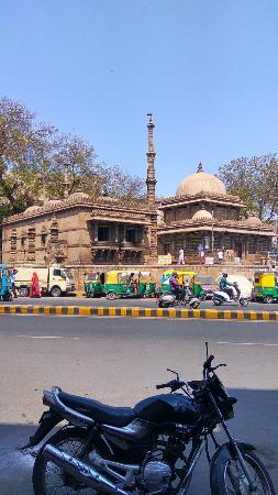 Rani Sipri's Mosque: IMG_20160316_135249_HDR_large.jpg