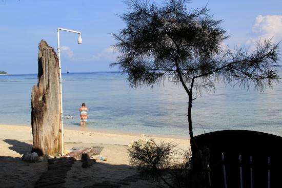 Bintang Beach Bungalows Photo